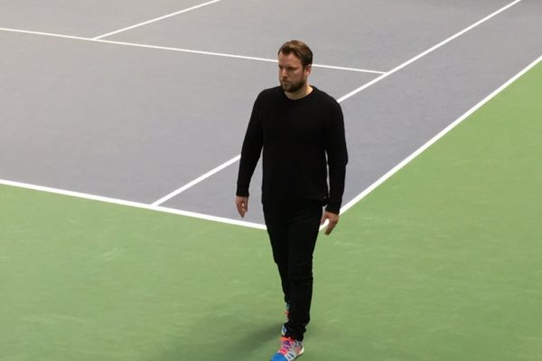 Fredrik Weibull at a tennis court